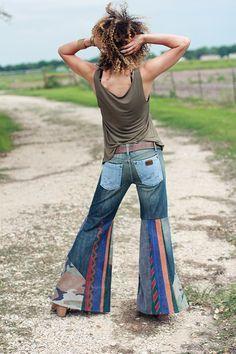 Image of one of a kind mixed 'n matched upcycled denim bell bottom jea Diy Jeans, Trend Council, Hippie Style, Boho Style, Denim Fashion, Boho Fashion, Pantalon Elephant, Hippie Jeans, Upcycling Fashion