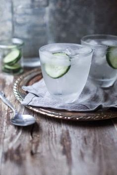 The biggest #AntiAgeing drink is water. It's been said before many times, but water really is essential for good health and good looks. The reason skin looks so grey, dry and wrinkled after too many cocktails is because alcohol dehydrates the skin.- Búsqueda - Google+