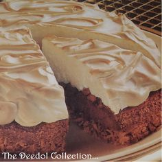Cocoa Nutty Meringue Cheesecake... https://grannysfavorites.wordpress.com/2015/09/13/cocoa-nutty-meringue-cheesecake/