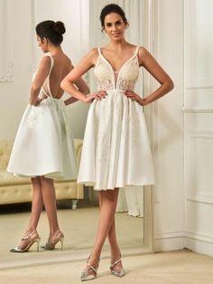 Spaghetti Straps Appliques Knee-Length Wedding Dress