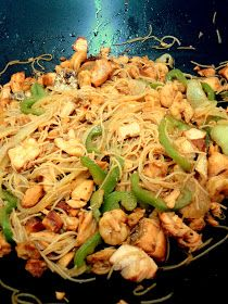 Guille's: Wok de salmón teriyaki y gambas con verduras y fideos de arroz