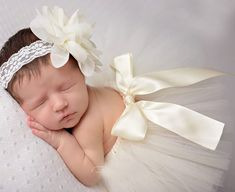 Top Sale 10 Colors Baby Girl Tulle Tutu Skirt and Flower Headband Set Newborn Photography Props bebe Birthday Gift Little Girl Tutu, Baby Girl Tutu, Baby Boy Hats, Little Doll, Baby Girls, Kids Winter Hats, Baby Winter, Vintage Headbands, Baby Headbands