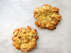 Almond Orange Florentines INGREDIENTS 2 cups sliced almonds cup confectioner's sugar 2 egg whites zest of 1 orange veget. Chocolate Chip Cookies Ingredients, Mint Chocolate Chip Cookies, Almond Meal Cookies, Blueberry Cookies, Easy Cookie Recipes, Cookie Desserts, Snack Recipes, Florentine Cookies, Chocolate Coconut Macaroons