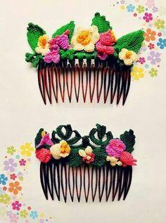 crochet hair comb*