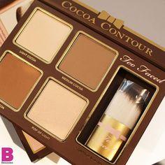 """Alzi la mano chi di voi sogna la nuova palette. @toofaced Cocoa Contour con polvere di cacao per scolpire il viso """"like a pro""""!!! Noi la amiamo  #beautydea #toofaced #beautyblogger #beauty #contouring #makeup"""