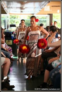 Fern Grotto on Wailua River dancing show & lessons. Blue Hawaii, Kauai Hawaii, Beautiful Places In The World, Most Beautiful, Pono Kai, Fern Grotto, Hawaiian People, Tahitian Dance, Pride Of America