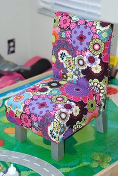 Toddler slipper chair.  Can you say: Too.Cute.To.Handle.?  Yeah.  Me too. #kids #chairs #furniture