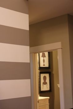 striped walls (tutorial) for a bathroom!