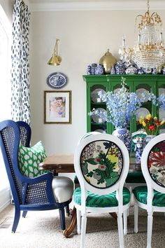 CHOOSE YOUR OWN ADVENTURE REFRESH:  THE DINING ROOM REVEAL! Dining Room Colors, Dining Room Design, Dining Room Office, Blue Dining Room Chairs, Eclectic Decor, Eclectic Dining Rooms, Colorful Dining Rooms, Traditional Dining Rooms, Eclectic Design