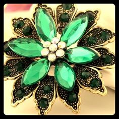 Lovely Ladies Vintage Look Dress or Blouse Brooch Lovely Ladies  Dress Pin  Brooch. The brooch is green in color and can accent any blouse or dress. 05a2b61a5b8e