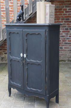 petit -meuble-deux-portes-noir-médaillons-porcelaine-valenciennes-Lille