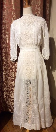 Sale! Was 450, now 399  Authentic Antique Edwardian Lace and Cotton Day Dress with gorgeous details. Beautiful handmade lace, chevron style design
