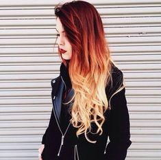 ombre hair <3  genau so will ichs haben nur mit honigbraun und helleren spitzen °^°