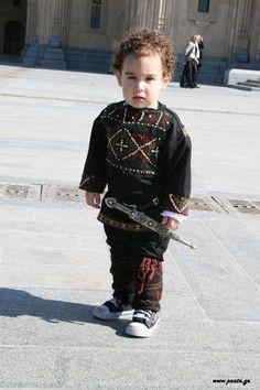 File:Georgian kid in Khevsur chokha.