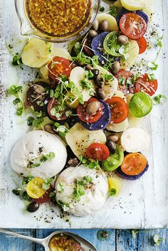 Mixed Potato and Heirloom Tomato Salad | photographer Ben Dearnley | Donna Hay Magazine #houmous #hummus #humus #sabramezze #vega #vegetarisch #vegafood