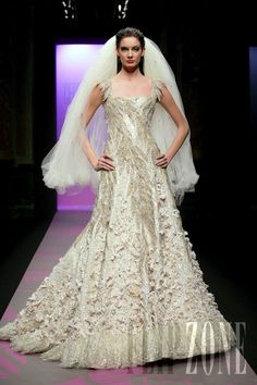 Georges Hobeika - Couture - Spring-summer 2007 - http://www.flip-zone.net/fashion/couture-1/fashion-houses/georges-hobeika,15