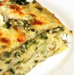 Recipe For Spinach Ricotta and Pesto Lasagna - GF - Scrumptious lasagna with basil pesto, spinach and plenty of bubbly cheese.. stir in the pesto and volia!