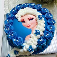 Birthday Cake Pictures For Girl Beautiful, Disney, Frozen And Barbie Pretty Cakes, Cute Cakes, Beautiful Cakes, Elsa Birthday Cake, Frozen Birthday Party, 4th Birthday, Bolo Elsa, Elsa Torte, Frozen Theme Cake