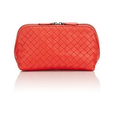 Bottega Veneta Women's Intrecciato Medium Cosmetic Case (€455) ❤ liked on Polyvore featuring beauty products, beauty accessories, bags & cases, red, make up bag, travel kit, dop kit, cosmetic purse and makeup purse