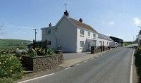 Erw-Lon, Pontfaen, Fishguard, Pembrokeshire. Bed and Breakfast Holiday accommodation in Wales