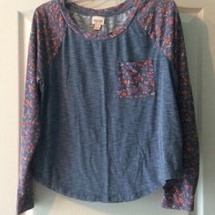 Floral Roundneck LongSleeve Top Preloved super soft medium blue with peach flowers on sleeves and pocket. Labeled XXL but definitely runs smaller! Mossimo Supply Co Tops Tees - Long Sleeve