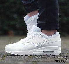 Wauw   https://www.sooco.nl/nike-air-max-1-premium-witte-lage-sneakers-28818.html