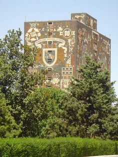 One of Mexico's UNESCO world heritage sites, the campus of Mexico's National Autonomous University. mosaic mural by Juan O'Gorman on the university library building and the mural by David Alfaro Siqueiros on the Rectoria building. There is a espacio escultorico (sculptural space), and a botanical garden.