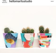 Best 11 DIY planters with colorful abstract painting – SkillOfKing. Painted Plant Pots, Painted Flower Pots, Painted Pebbles, Pots D'argile, Diy And Crafts, Arts And Crafts, Keramik Design, Pottery Painting Designs, Cactus Y Suculentas