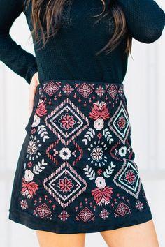 c5de92169 Geometric accented mini skirt! Fashion Trends, Diy Fashion, Fashion  Outfits, Womens Fashion