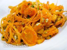 Teplý mrkvový šalát s hokkaido a koriandrom