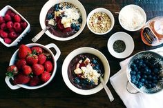 Hawaiian Acai Bowl | 27 Healthy Breakfasts Under 400 Calories For When You're In A Rush