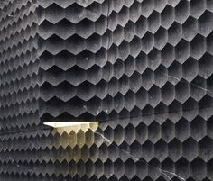 These contemporary curved wall tiles by Lithos are an unconventional and unexpected way to finish your rooms. The new Favo Curve stone tiles are not your typical tile, both in terms of material and aesthetic. The modern 3D design of smaller concaved hexagons combined creates a trendy honeycomb effect. very modern and unique.