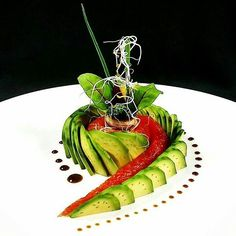 """By """"Salmon gravlax avocado. Food Design, Gourmet Food Plating, Food Plating Techniques, Michelin Star Food, Plate Presentation, Dessert Packaging, Masterchef, Party Finger Foods, Food Garnishes"""