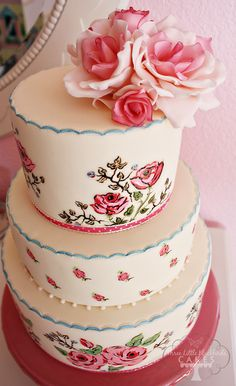 Hand Painted Cake by Three Little Birds ~ This is such a lovely and romantic cake! ᘡղbᘠ