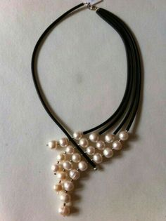 Fashion for pearls (selection and bonus) & Jewelery and bijouterie & SECOND STREET Pearl Jewelry, Wire Jewelry, Jewelry Crafts, Beaded Jewelry, Jewelery, Jewelry Necklaces, Handmade Jewelry, Pearl Necklaces, Jewelry Ideas