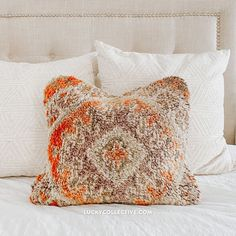 One-of-a-kind Moroccan boujad pillow made from vintage rugs. Boujad pillows are made from vintage boujad rugs, which are hand woven, pile rugs from the Haouz region of Morocco. Boujad Rug, Hand Woven Pillows, Wool Pillows, Fringe Pillows, Moroccan Throw Pillow, Pillows, Cactus Silk, Throw Pillows, Vintage Rugs