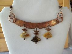 Copper and Agate collar necklace.  Hammered copper. by KABADESIGNS