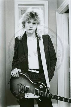 Steve Clark and his Les Paul