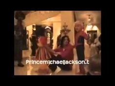 Michael Jackson kids Prince and Paris home videos Mj Kids, Michael Jackson Funny, Gifs, Paris Home, King Of Kings, Kids House, Funny Moments, Prince, In This Moment
