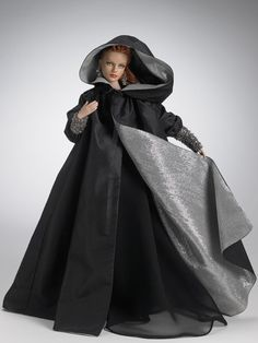 Dark Embrace Sydney Chase ™ - Tyler Wentworth Archive - Fashion Dolls Archive - Tonner Doll Archive