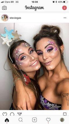 Get your festival fashion inspiration together over at Rave Hackers! Alien Halloween Makeup, Alien Makeup, Space Girl Kostüm, Coachella Make-up, Mermaid Costume Makeup, Make Carnaval, Festival Makeup Glitter, Carnival Makeup, Rave Makeup