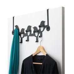 Creëer zelf extra ophangruimte met de Umbra Deurhanger. De deurhanger is voorzien van tien ophanghaken. Door het mooie design van de Umbra deurhanger is hij ook stijlvol zonder jassen eraan.