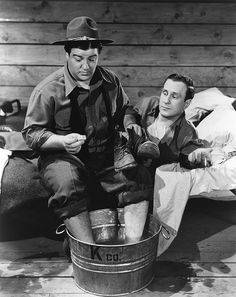 BUCK PRIVATES (1941) - Bud Abbott & Lou Costello join the Army - Universal.