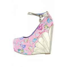 Man O Man do I love these shoes........they are screaming my name!!!!  ~Lollipop Lorelei Wedge ❤ Pink