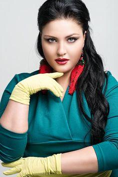 russian plus size model Juliya Lavrova