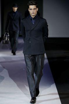Giorgio Armani - Men Fashion Fall Winter - Shows - Vogue. Latest Mens Fashion, Fashion News, Fashion Outfits, Armani Men, Giorgio Armani, Milan Men's Fashion Week, Fashion Fall, Men Fashion, Classy Men