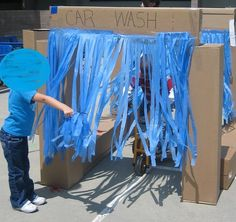 Working at the Car Wash in Preschool::Teaching The Little People plastic tablecloth and boxes- fun summer activity and outdoor dramatic play! Pinned by Child Care Aware of Central Missouri. Dramatic Play Area, Dramatic Play Centers, Fun Summer Activities, Preschool Activities, Nursery Activities, Travel Activities, Outdoor Activities, Dry Car Wash, Eyfs Outdoor Area