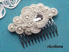 Items similar to White & Powder Pink Soutache comb, Wedding Hair Accessory, Soutache , Wedding Hair on Etsy Veil Hairstyles, Wedding Hairstyles With Veil, Hair Comb Wedding, Ribbon Jewelry, Soutache Jewelry, Hair Jewelry, Soutache Pattern, Soutache Tutorial, Beaded Crafts