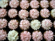 Flower Cupcakes by Ina Garten via latestrecipe: Here is the link to the how-to-frost video http://tinyurl.com/6oc8kqw  #Flower_Cupcakes #Ina_Garten #latestrecipe