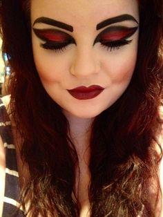 Vampire , l\u0027un des plus populaires costume d\u0027Halloween pour les filles.  Dans cet article, nous allons vous montrer les options vampire costumes  pour